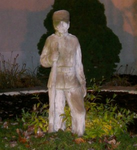 Solider Statue in front of Inn 1863